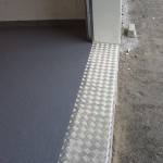 2 autotallilattia epoksivärihiekkahiertomassapinnoite kuva 2