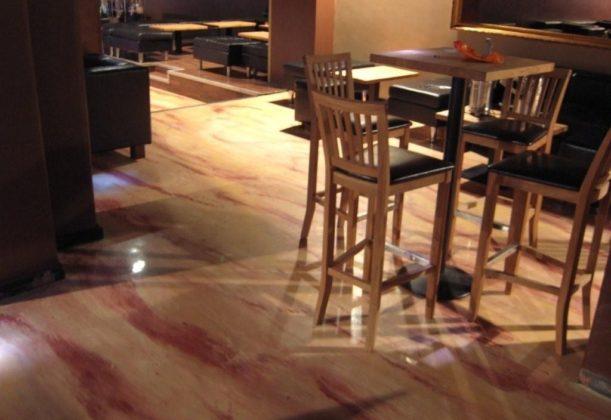 Ravintolan lattia k2